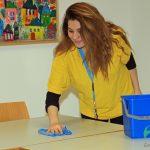 a_PLUS_Gebäudereinigung_Unterrichtsraum